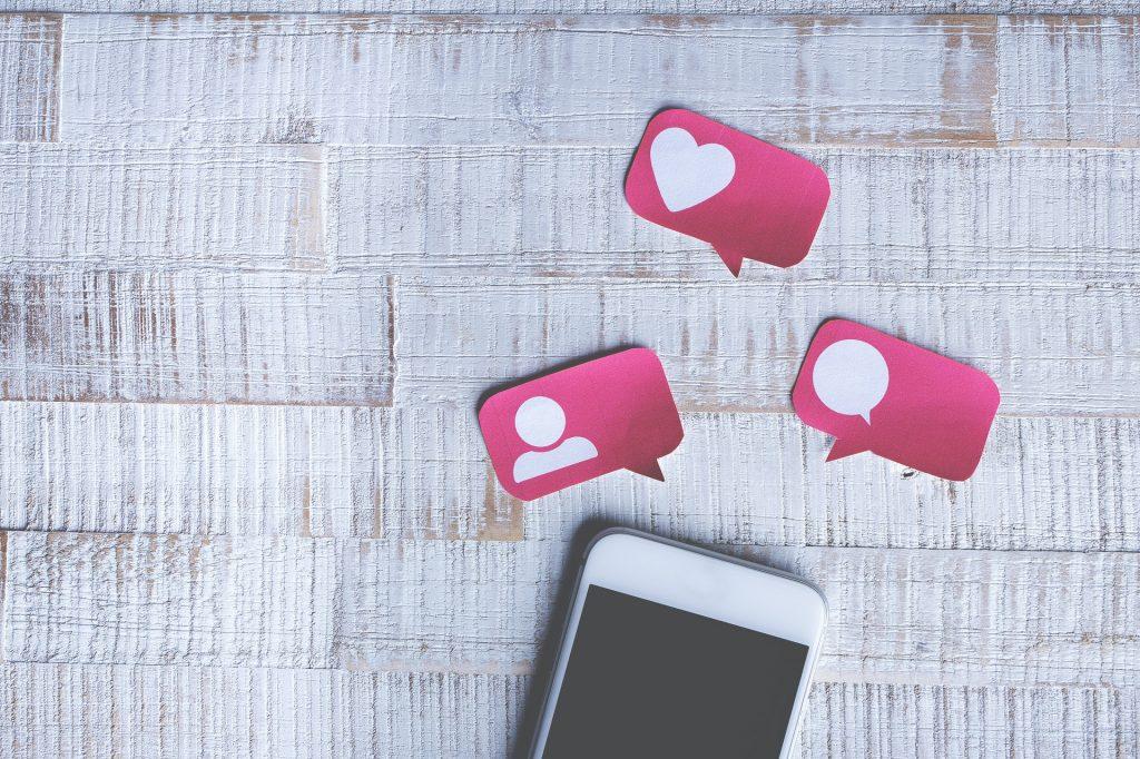 Instagrambenachrichtigungen in pink, Geld verdienen mit Instragram