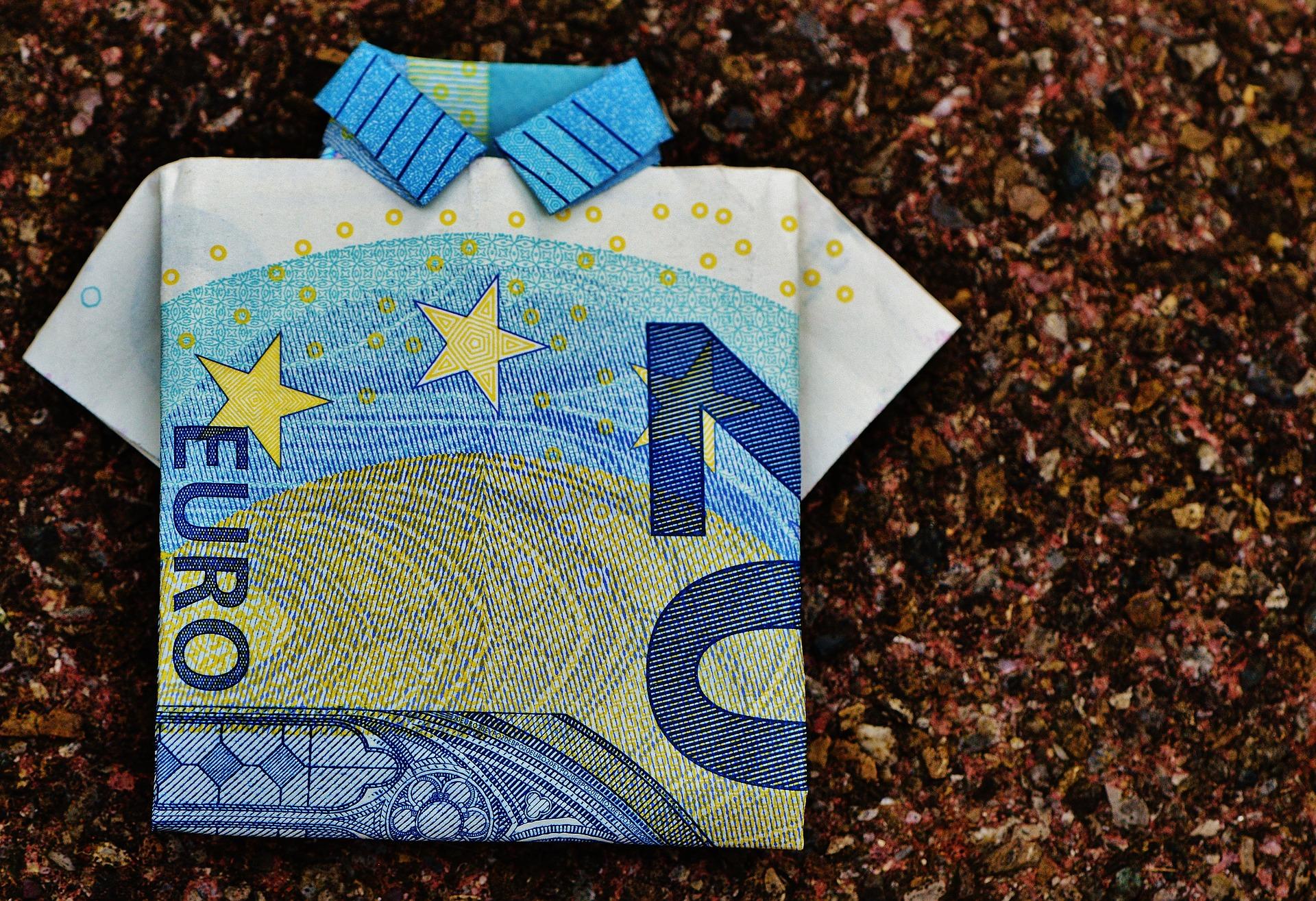 Einen Onlinevideokurs erstellen, gefaltetet 20 Euro